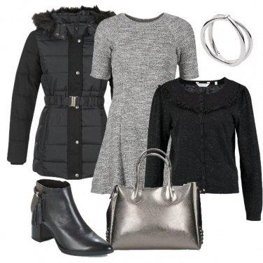 Outfit Di grigio e nero
