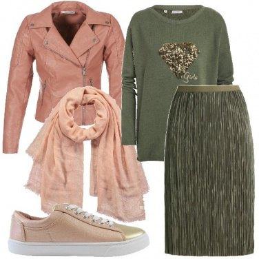 Outfit Felpa e plissè