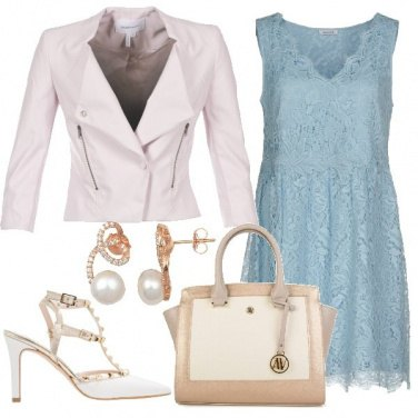 Outfit In merletto celeste