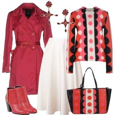 Outfit Il maglione e la borsa a pois