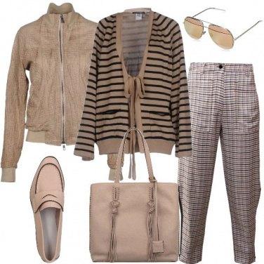Outfit Righe scacchi e trafori