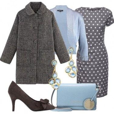 Outfit In grigio e azzurro