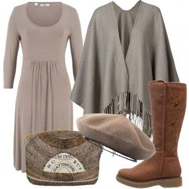Outfit Mantella e basco