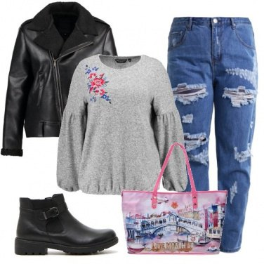 Outfit Il jeans strappato