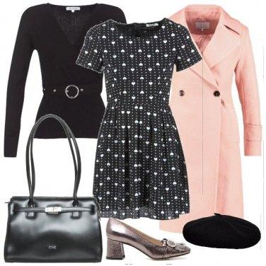 Outfit Il pullover sull\'abito a cuori