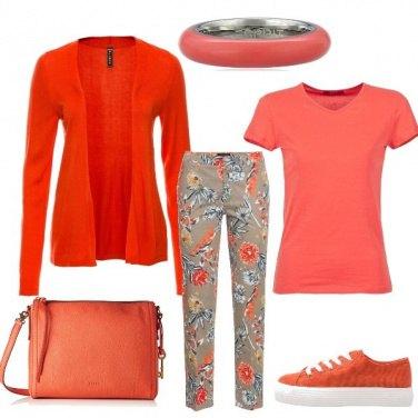 Outfit Pensare in arancio