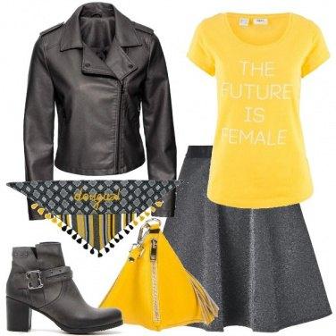 Outfit La T shirt gialla
