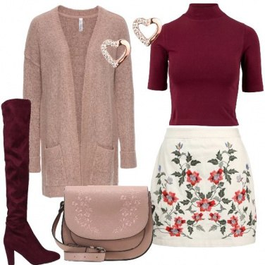 Outfit Minigonna in fantasia floreale