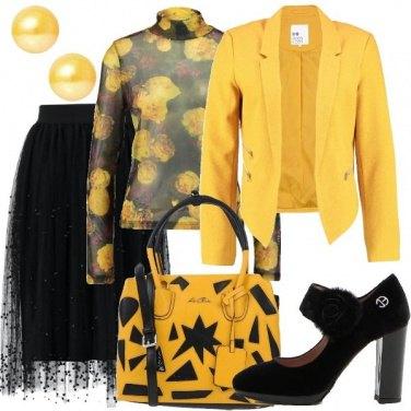 Outfit Festa in giallo e nero