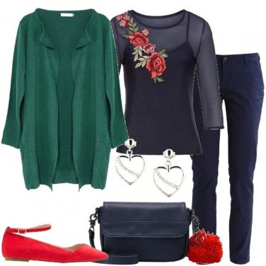 Outfit Blu verde rosso