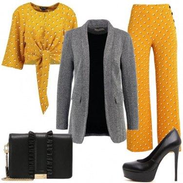 Outfit Giallo fantasia