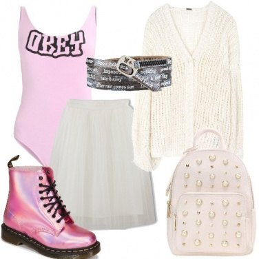 Outfit Anfibi rosa