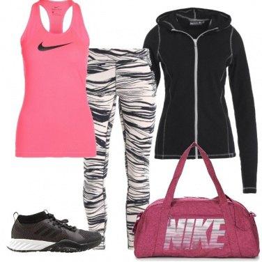 Outfit Sport in fucsia e nero