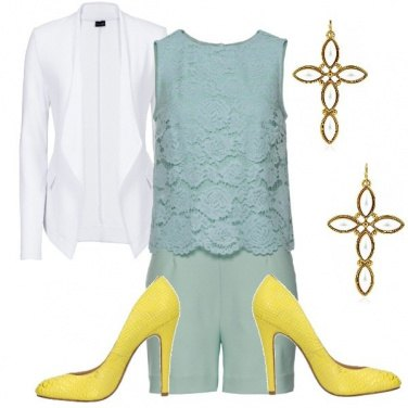 Outfit Jumpsuit corta con pizzo