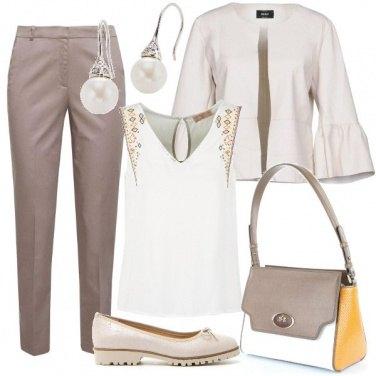 Outfit Bon ton nei toni del beige