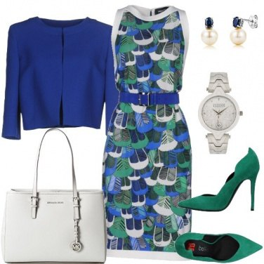 Outfit Blu, verde e bianco