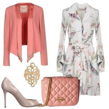 Outfit Chemisier in seta a fantasia floreale