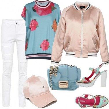 Outfit Urban in rosa e azzurro