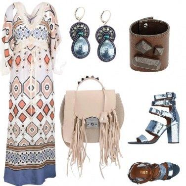 Outfit Etnico e sandali metal