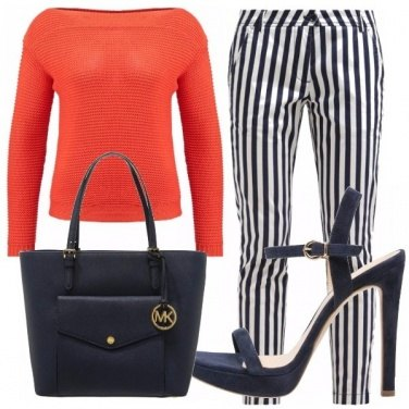 Outfit Blu navy e arancione