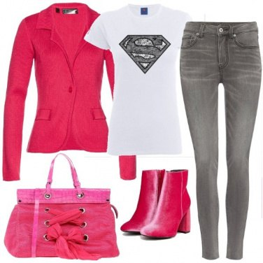 Outfit Superdonna in fucsia