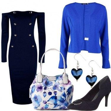 Outfit Fiori e cuori blu
