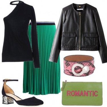 Outfit Monospalla e plissè