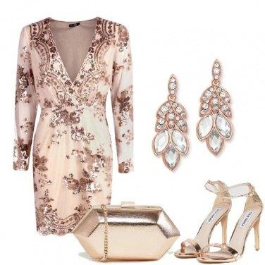 Outfit Il tubino rosa brillantinato
