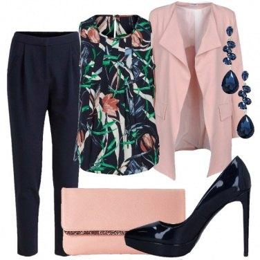 Outfit Blu e rosa per la cerimonia