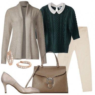 Outfit Il pull verde con trecce e perle