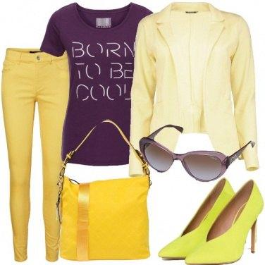 Outfit Viola sul giallo