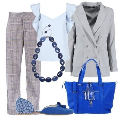 Outfit In ufficio in grigio