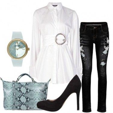 Outfit Camicia oversize con cintura