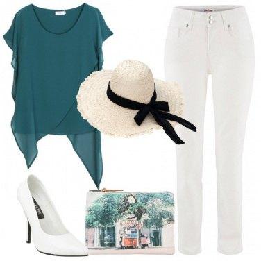 Outfit Deliziosa con il cappello
