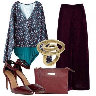 Outfit Body e pantaloni palazzo