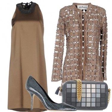 Outfit Uno scollo particolare