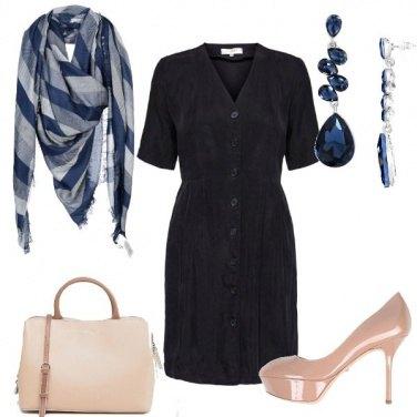 Outfit In blu al lavoro