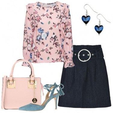 Outfit Camicetta a fiori e gonna in jeans