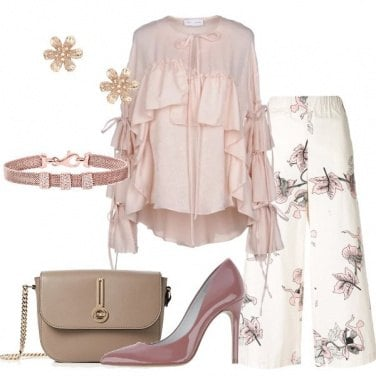 Outfit Romantico pantalone floreale