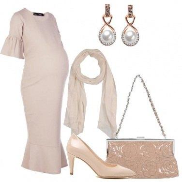 Outfit Semplice nei toni neutri