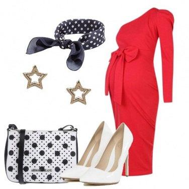 Outfit Abito rosso monospalla