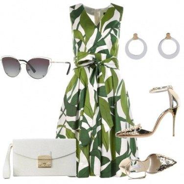 Outfit il vestito con le foglie