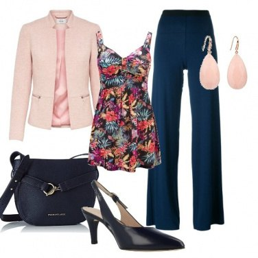Outfit Chic in blu e rosa
