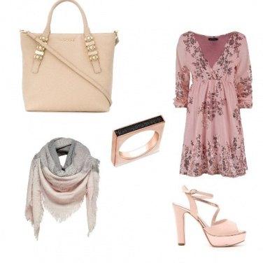 Outfit Un look a tutto accessori