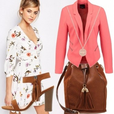 Outfit Rosa pesca e fiori
