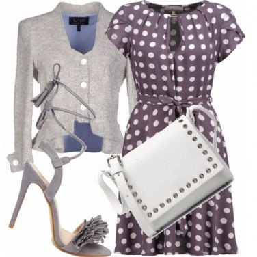 Outfit In grigio a pois...