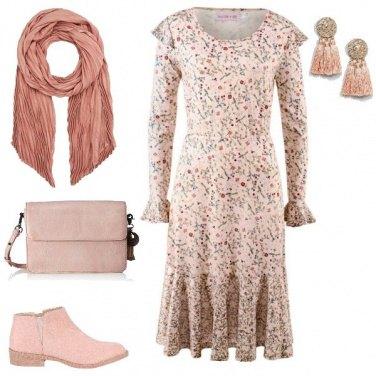Outfit Etnico rosa cipria