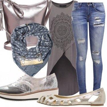 Outfit Laminato e jeans.