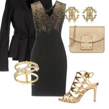 Outfit L\'opulenza del nero ed oro