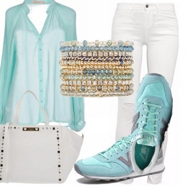 Outfit Chic in sneakers